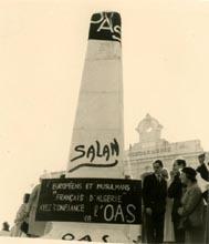 Manifestation OAS place de la Pyramide