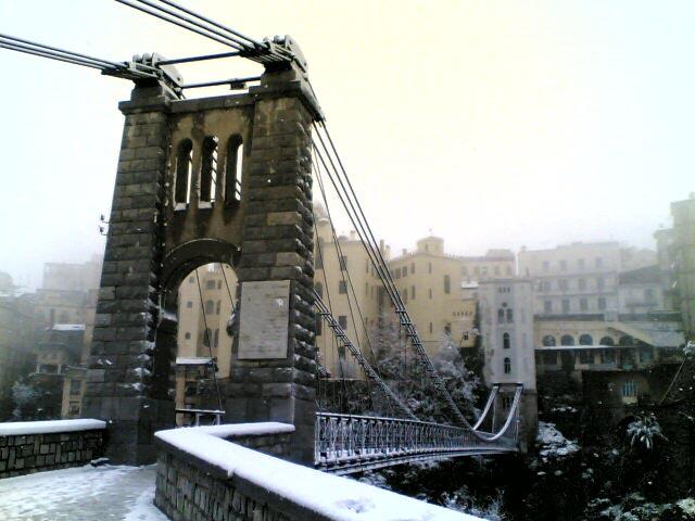 البوم صور لمدينة الجسور المعلقة الله يبارك عليها Perregaux_21_03_07
