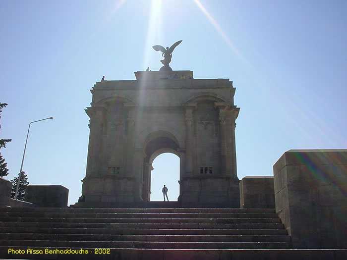 البوم صور لمدينة الجسور المعلقة الله يبارك عليها Monumentauxmorts2
