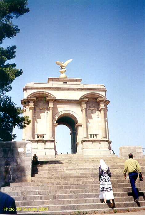البوم صور لمدينة الجسور المعلقة الله يبارك عليها Monumentauxmorts1