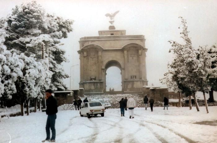 البوم صور لمدينة الجسور المعلقة الله يبارك عليها Monumentneige